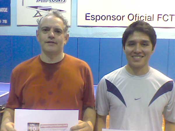 Carlos Augusto Cordero (dreta) guanyador i Xavier Bosch, segon.